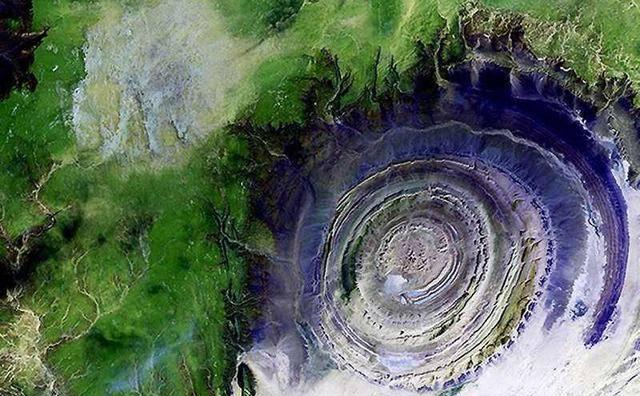 误入仙境!细数全球十大奇特的纯自然景观,你知道几个?中国有俩